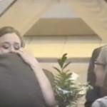 Φύλακες άγγελοι στον γάμο της [βίντεο]